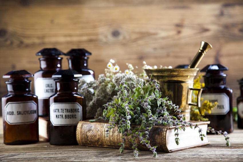 Pharmazeutische und therapeutische Umsetzung der Alchemie (Fotolia)