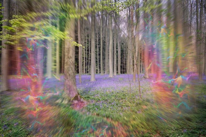 Integrierte Therapie gegen Migräne - Migräne visuelle Aura - mit blinkenden Lichteffekten treten Sehstörungen auf. Oft als Vorboten der Schmerzen.