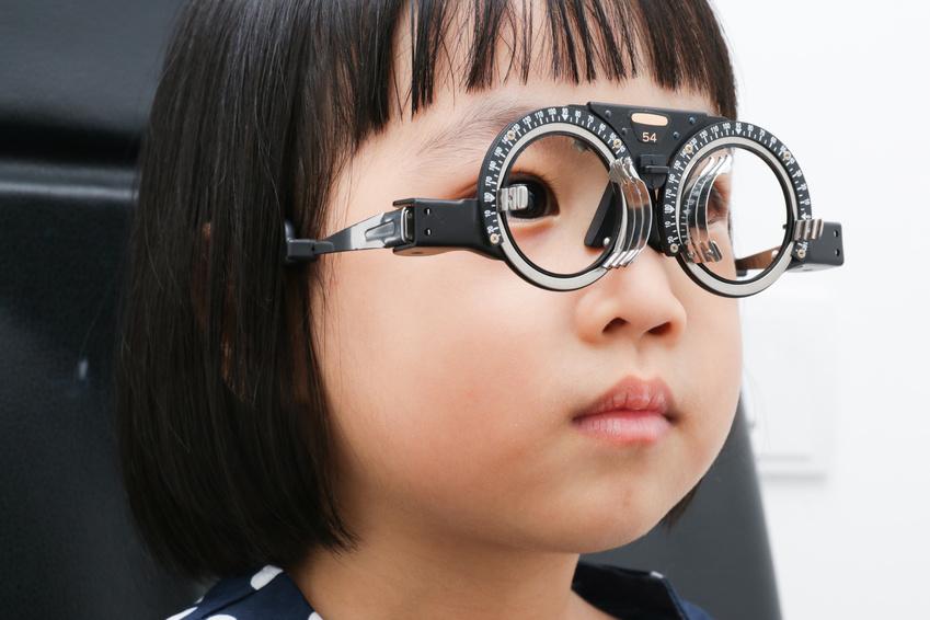 98% aller Fünf- bis Sechsjährigen Kinder sehen noch gut (Fotolia)