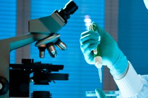 US-Forscher identifizieren ein Enzym als mögliche Ursache der Makuladegeneration AMD (Fotolia)