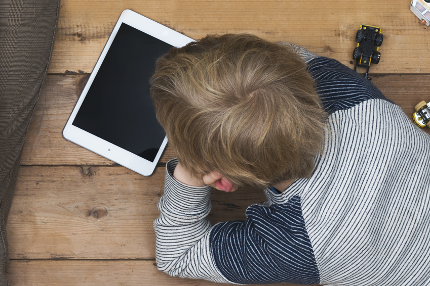 Kurzsichtig durch Smartphones – Das sind die Gegenmittel