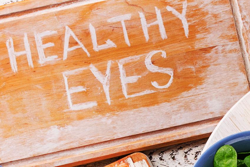 Richtige Ernährung bei Makuladegeneration (Shutterstock)